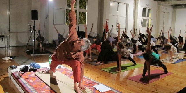 Carlos Fiel: Qué es el yoga